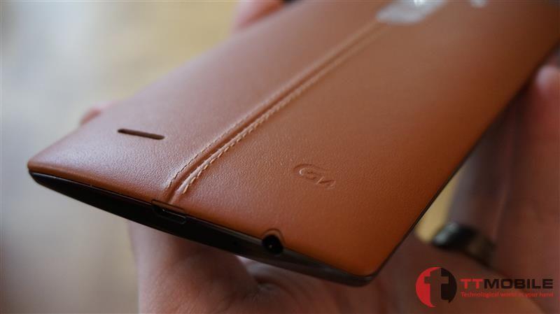 Mặt sau làm bằng da của chiếc LG G4